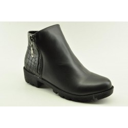 Flat booties by Veneti 5524-A2