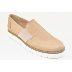 Women's oxfords by Veneti