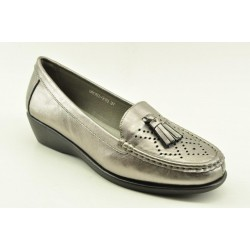 Women's leather anatomic moccasins by Veneti Q8862-210 PEWTER