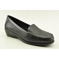 Women's leather anatomic moccasins by Veneti Q8862-211 BLACK
