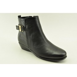 Women's leather anatomic booties by Veneti B8862-7 BLACK