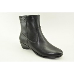 Women's leather anatomic booties by Veneti A8897-31 BLACK