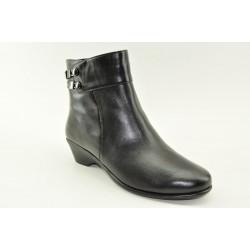 Ανατομικά γυναικεία δερμάτινα μποτάκια Veneti A8897-30 BLACK